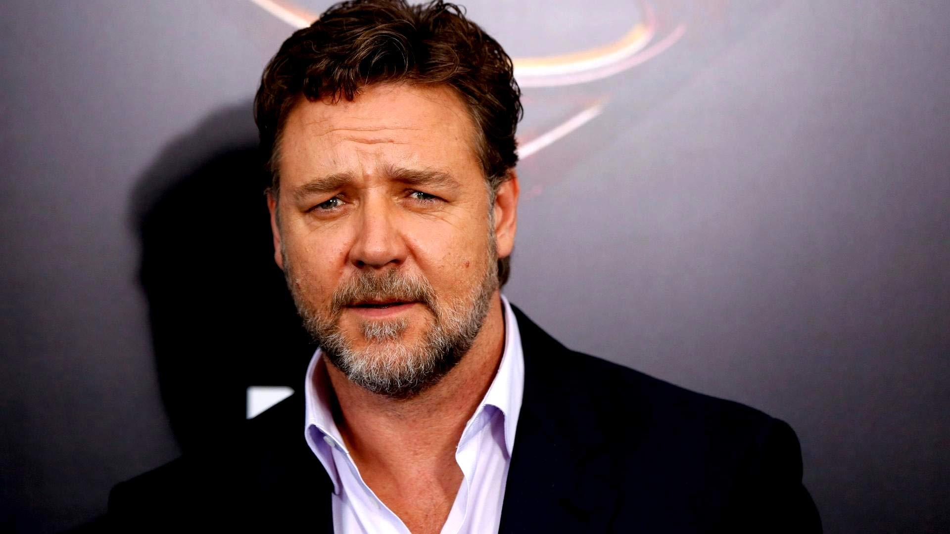 Russell Crowe Age, Hei...