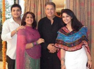 parineeti-chopra-family
