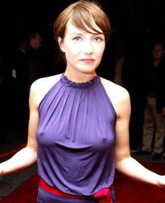 carice-van-houten-boobs-size