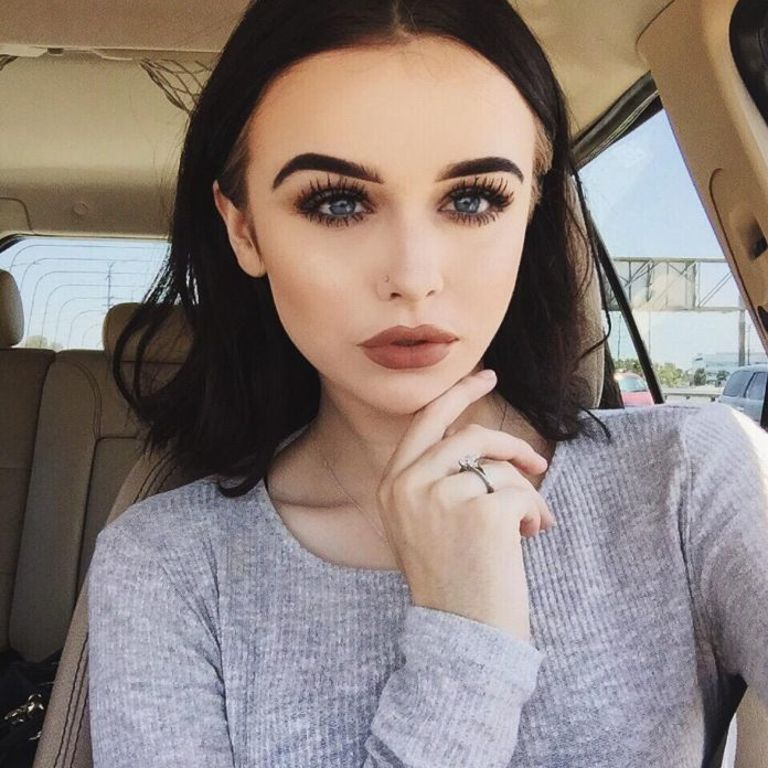 who is acacia brinley clark dating Hi i'm acacia brinley clark i'm a female obviously i'm 15 years old and i am currently single my last boyfriend was the youtuber sam pottorff, he was an amazing boyfriend i was.
