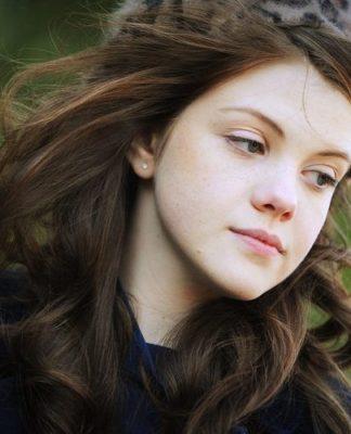 Georgie Henley Pics
