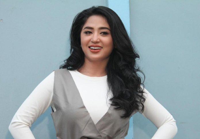 Dewi Persik Pics