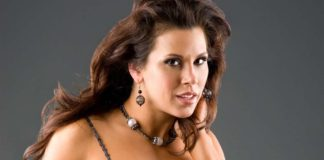 Mickie James Pics