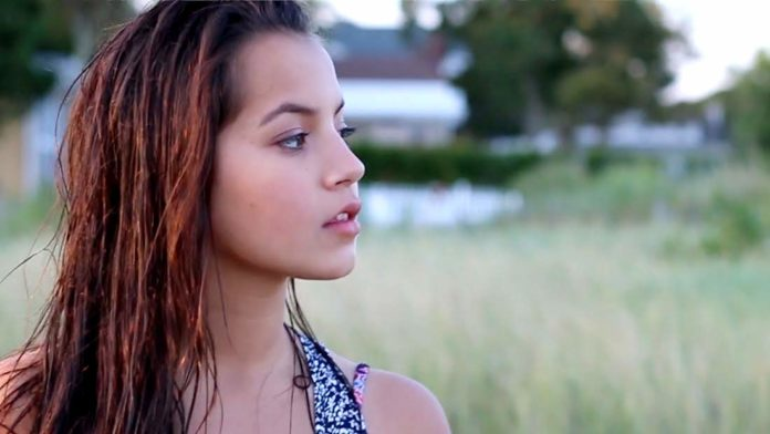 ISABELA MONER Hot pics 696x392