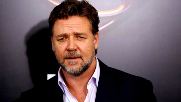 Russell Crowe pictures 696x392