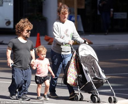 peter-dinklage-family-pic