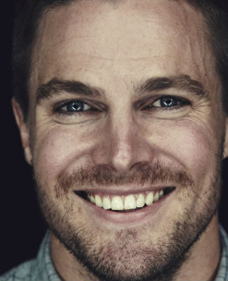 stephen-amell-image