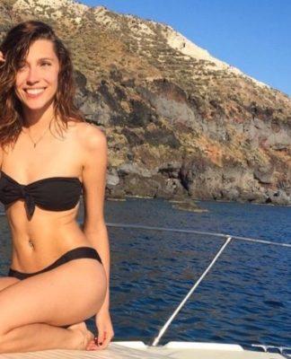 Andrea Wendel sexy pis