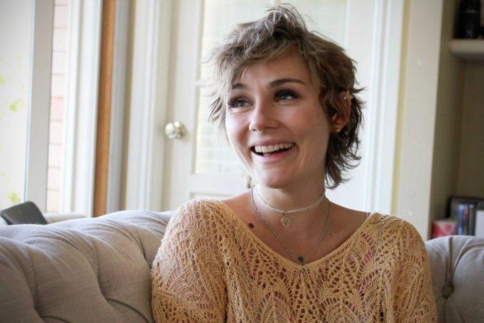 Clare Bowen image