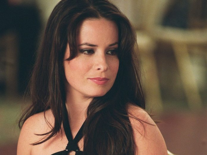 Holly Marie Combs image 696x522