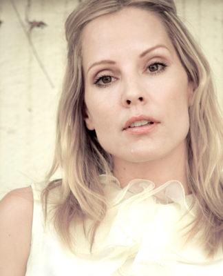 Emma-Caulfield-pics
