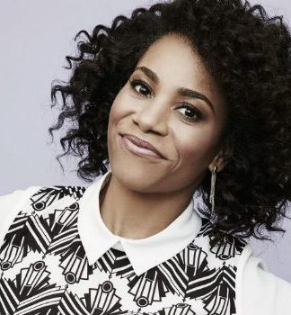 Kelly McCreary Pics