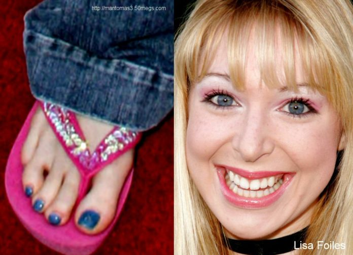 Lisa Foiles Feet 696x502