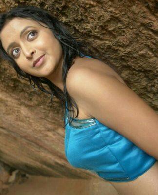 Rekha Vedavyas Pics