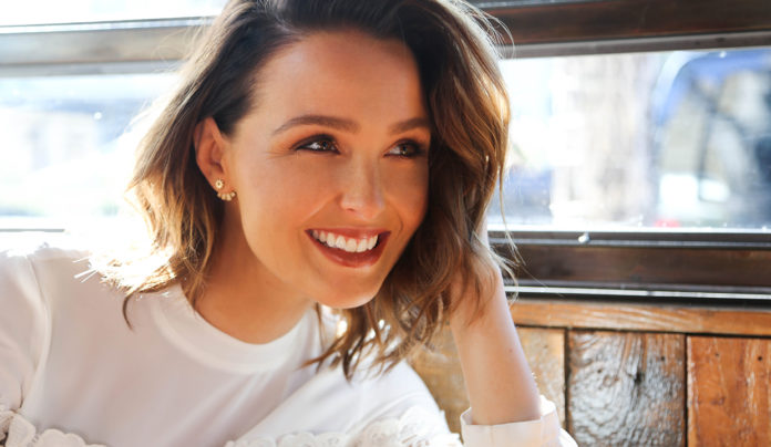 camilla luddington pictures 696x404