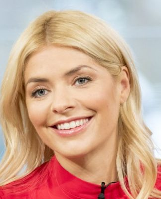 Holly Willoughby Pics
