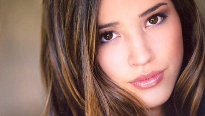 Kelsey Chow Pics 696x395
