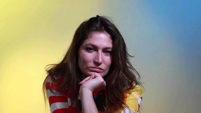 Stella Schnabel Pics