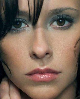 Jennifer Love Hewitt Pics
