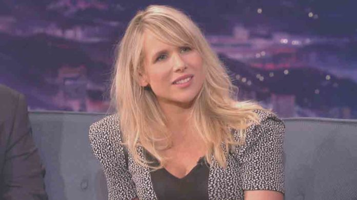 Lucy Punch pics 696x391