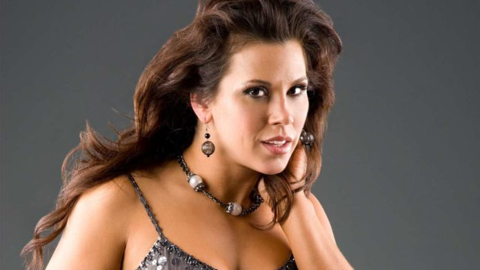 Mickie James Pics 696x392