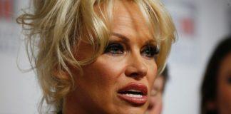 Pamela Anderson Pics