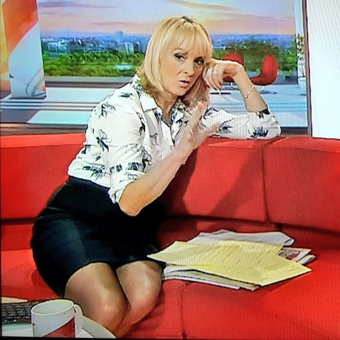 Louise Minchin Pics 696x696